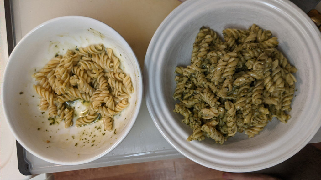 Side by side comparison of Knorr pesto sauce and DeLallo Pesto sauce